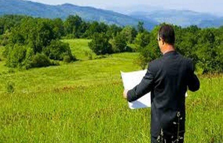 У Хмельницькому районі незаконно передали у користування землі на два мільйони