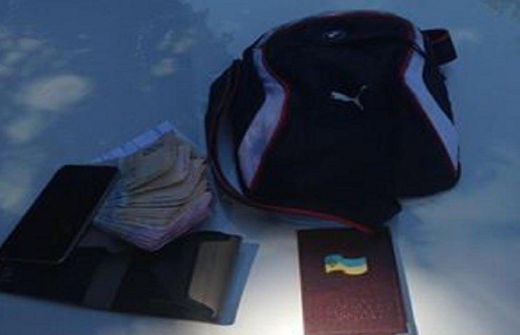 Хмельницькі патрульні повернули господарю загублені 20 тисяч гривень