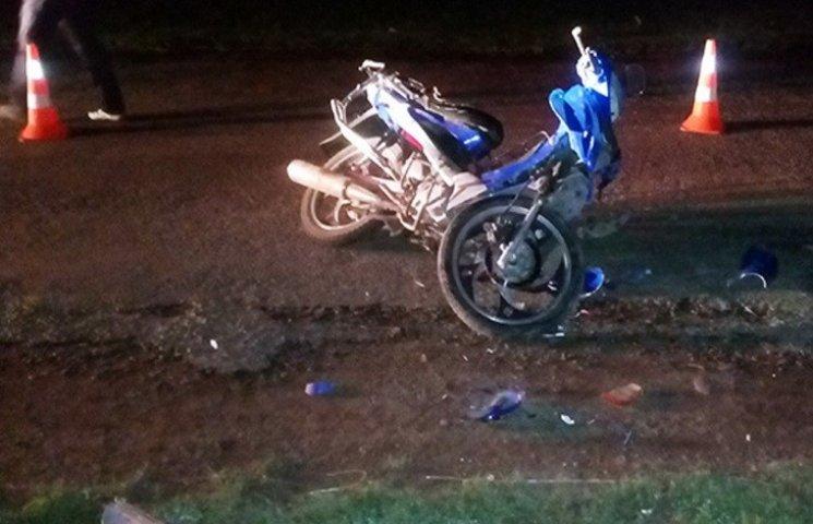 На Хмельниччині скутер протаранив поліцейську автівку