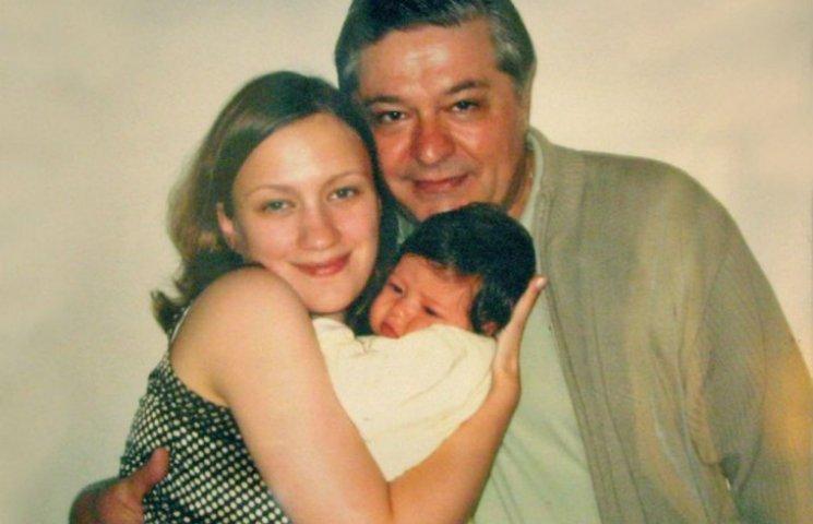 Лазаренко в США нянчит детей и говорит, что сидит на шее у молодой жены, – NYT
