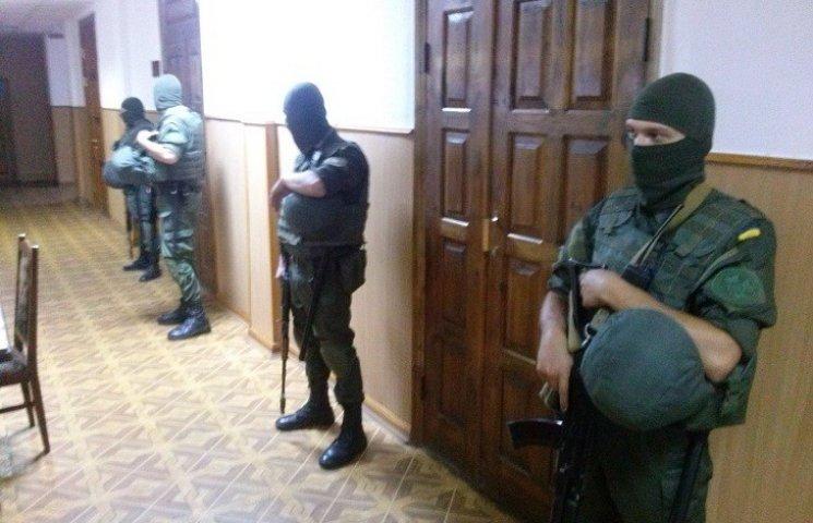 В Харькове суд по Штепе: зал охраняют бойцы в балаклавах и с автоматами