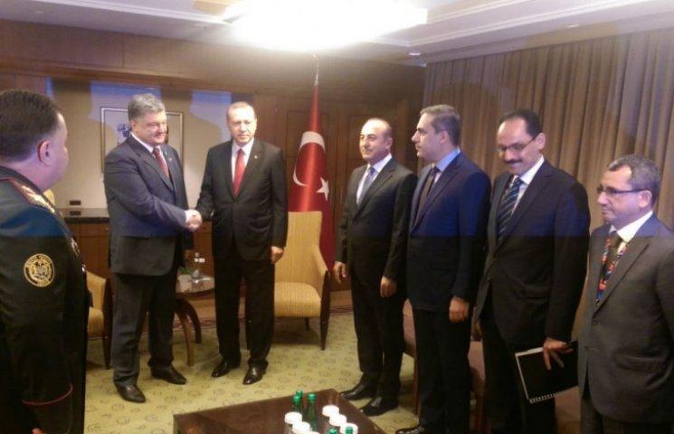 На саммите НАТО Порошенко встретился с Эрдоганом (ФОТО)