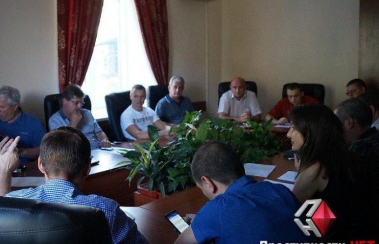 Миколаївські перевізники погодилися внести всі номери машин до угоди