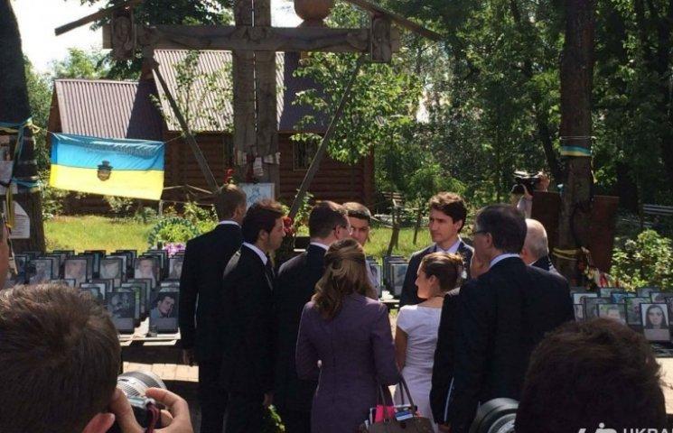 Канадский премьер в Киеве почтил память Небесной Сотни (ФОТО, ВИДЕО)