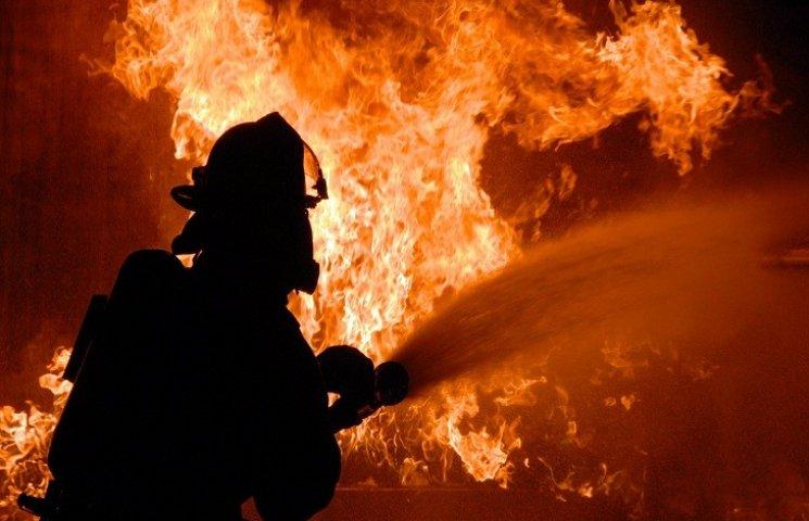 У Харкові з палаючого будинку евакуювали майже півсотню людей