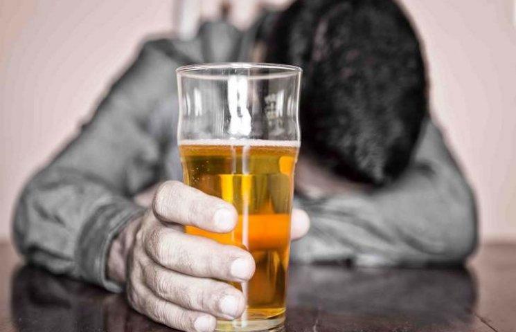 В Ровно от алкоголя умерли 10 человек…