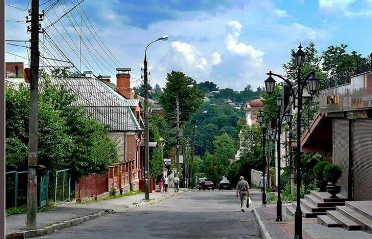"Одна з центральних вінницьких вулиць стане ""односторонньою"""