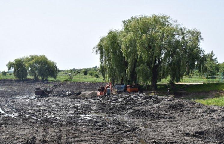 Тяжилівські озера приводять до ладу