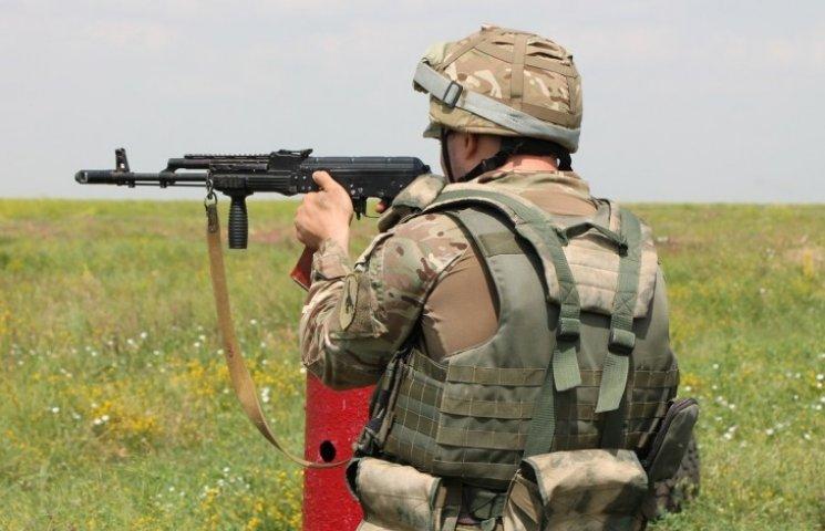 На Миколаївському полігоні курсанти навчались стріляти з АК-74