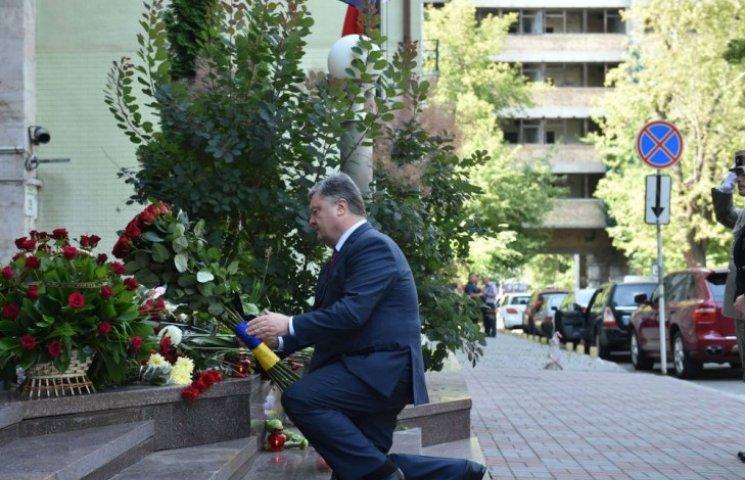 Порошенко обіцяє разом з Олландом зупинити терористів