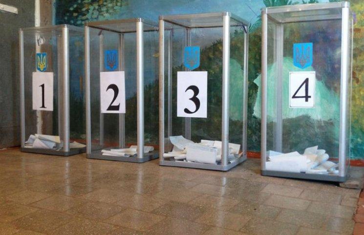 Станом на 16:00 на 151 окрузі зареєстровано 10 фактів порушення порядку на виборах