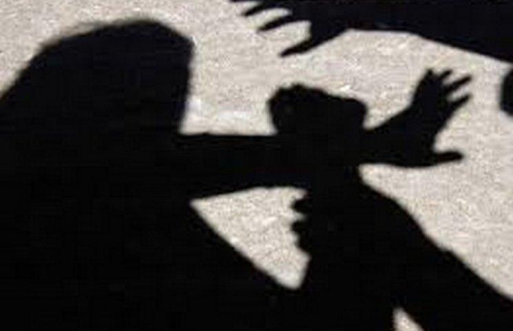 На Миколаївщині дві 17-річні дівчини стали жертвами сексуального насилля