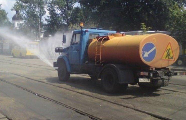 Через спеку у Миколаєві митимуть магістралі вдень