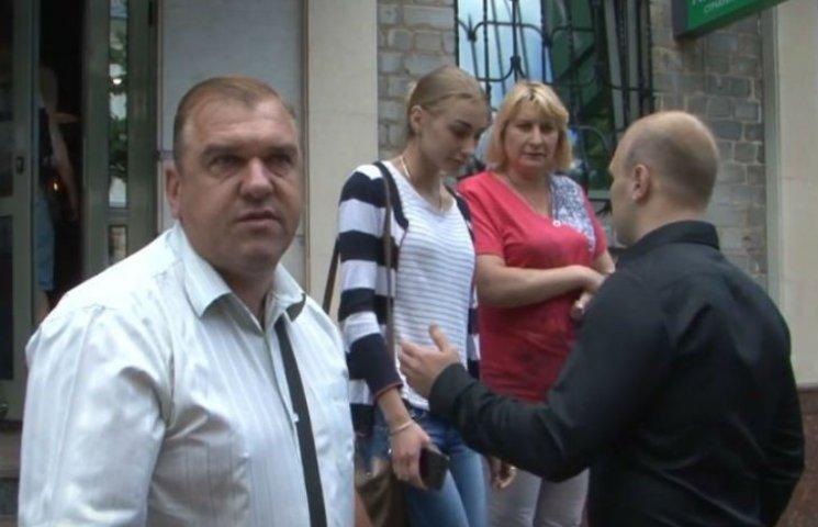 На Полтавщині активісти вибачилися перед дівчиною, яку звинуватили у сепаратизмі