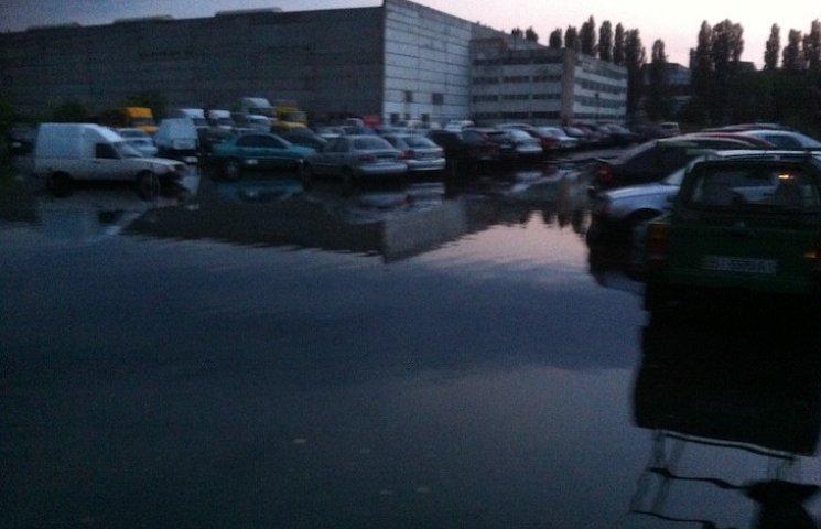 Полтавці ліквідують наслідки вчорашньої зливи