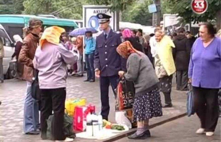 Зі стихійними ринками у Хмельницькому ще довго боротимуться
