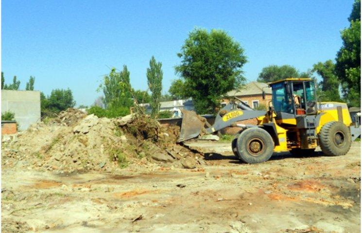У Новому Бузі ліквідували стихійне сміттєзвалище