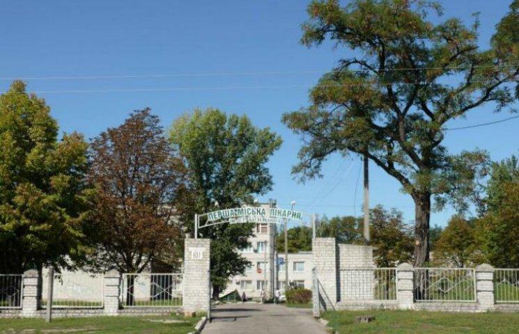 На Полтавщині біля лікарні повісився пацієнт