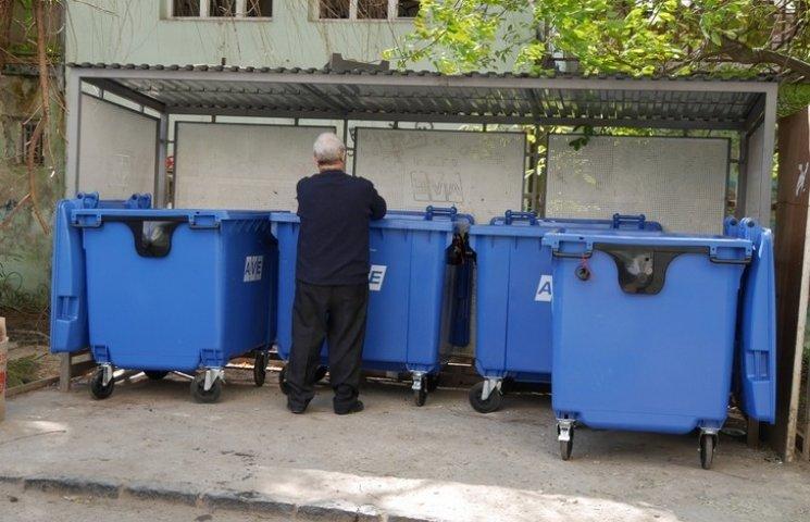 У Хмельницький закупили сміттєбаків на півмільйона