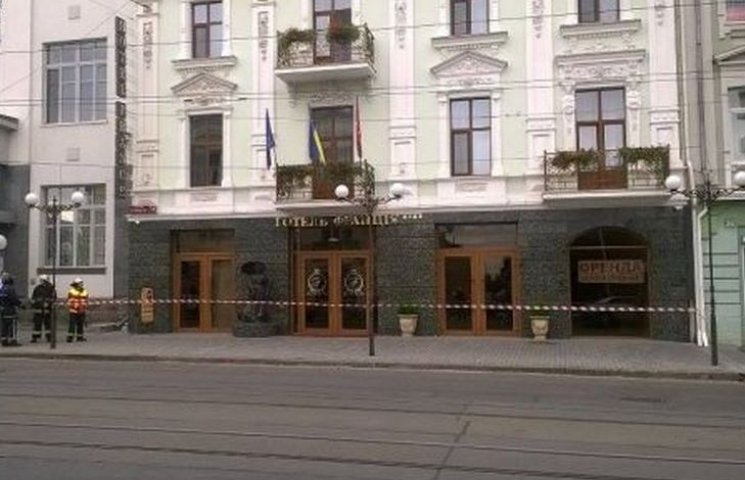 В готелі у центрі Вінниці шукають вибухівку