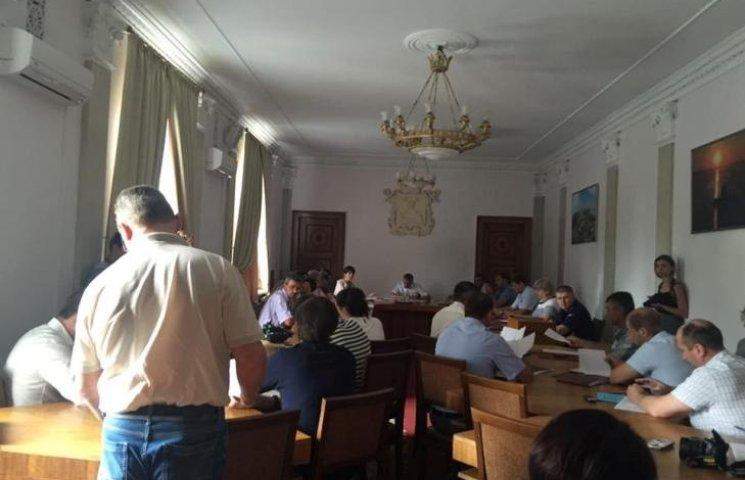 У Миколаєві демонтують ще 88 рекламних конструкцій