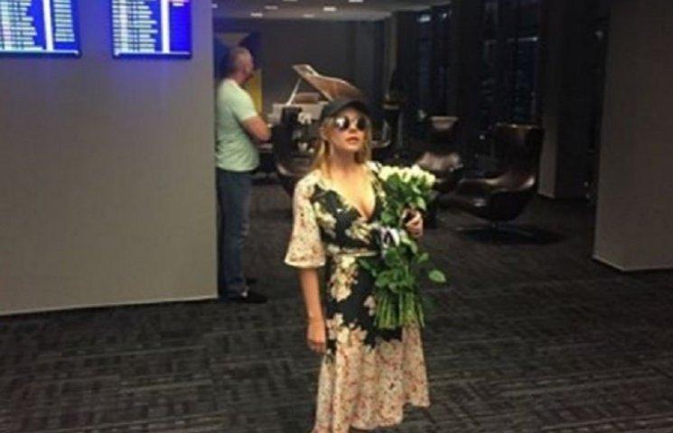 Кароль продемонструвала модний look у Юрмалі