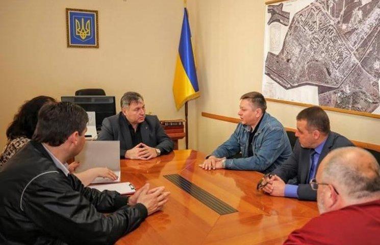 Губернатор Луганська везе на Вінниччину півсотні чиновників