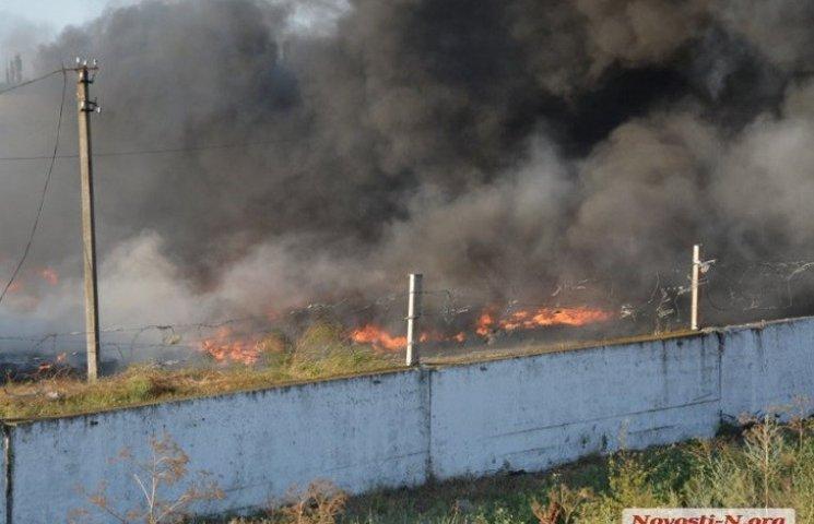 На Миколаївщині загорівся підпільний завод по переробці автомобільних шин