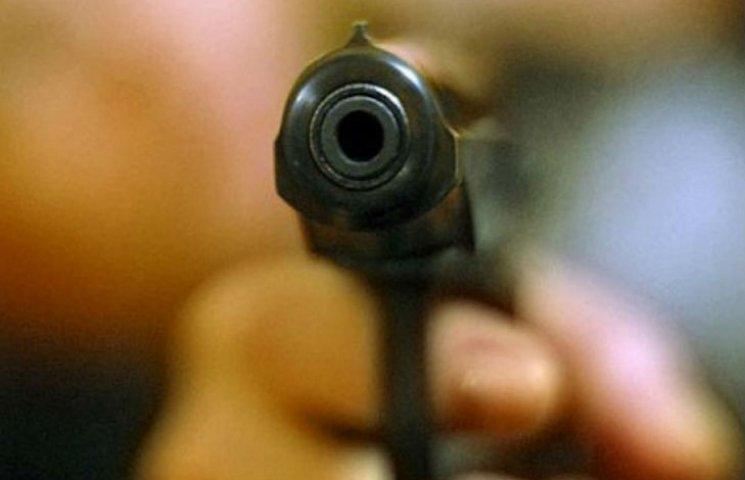 На Полтавщині у парку стріляли, поранено двох людей