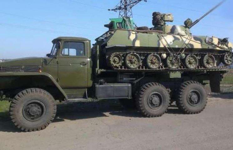 По Николаевщине и Одесчине проследует колонна военной техники