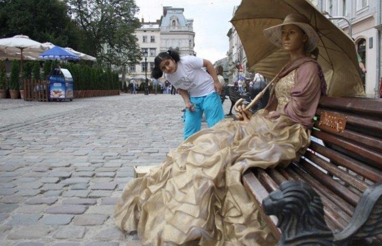 Сім причин не їхати до Львова у серпні (…