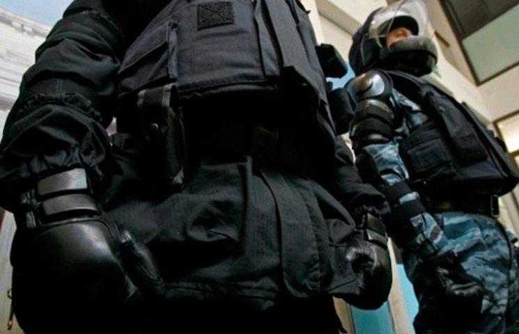 Поліцейські Хмельницького провели обшуки в відомого місцевого бізнесмена