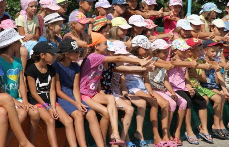 Миколаївська влада планує використати 1 млн зекономлених коштів на дитячий табір