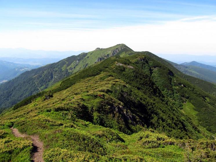 Гора Піп Іван: вражаючі краєвиди