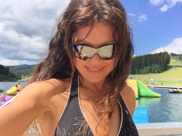 44-летняя Руслана поразила фигурой в бик…
