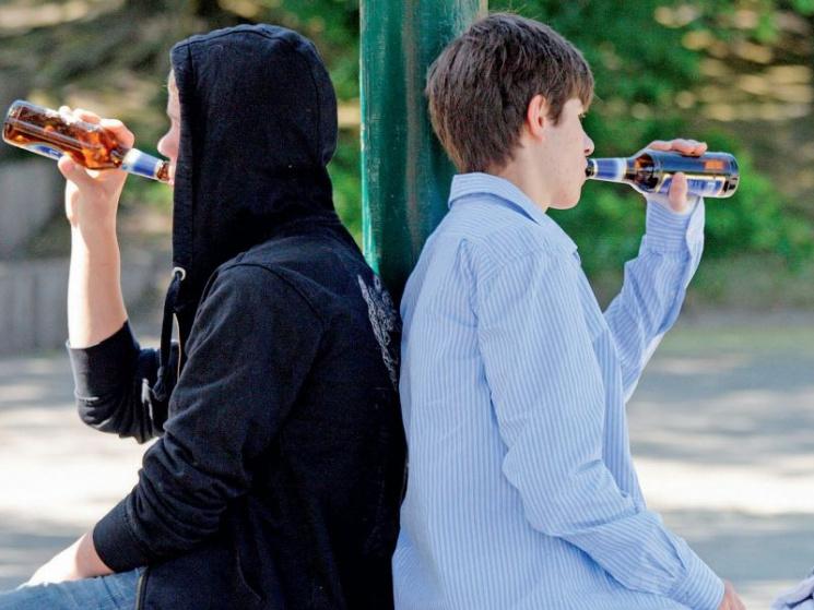 Под Харьковом подростки отравились алкоголем