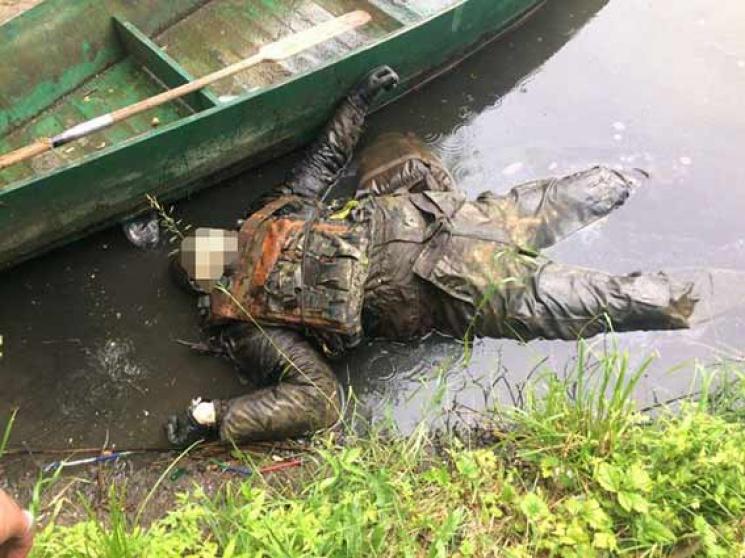 """Результат пошуку зображень за запитом """"труп військового у воді"""""""