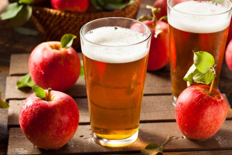 П'янке і терпке літо: Як зі звичайних яблук приготувати надзвичайний напій