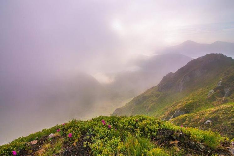 Мінливе літо: Як красиво і швидко змінюється погода у Карпатах