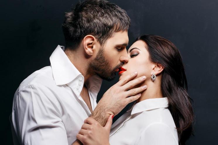 Козловский поцеловал невесту  в церкви…