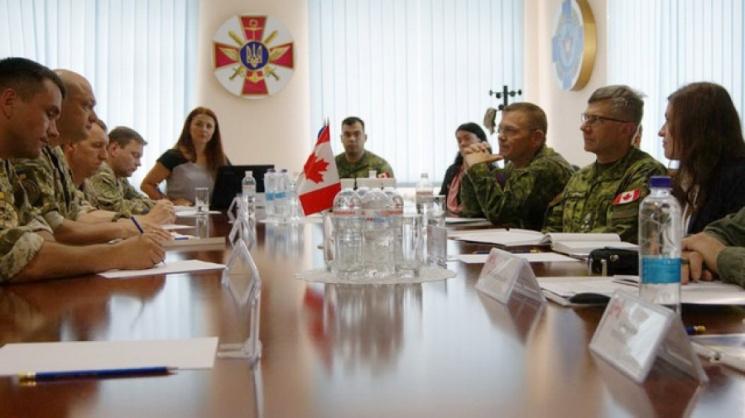 До кам'янецьких саперів завітав командувач сухопутних військ Канади