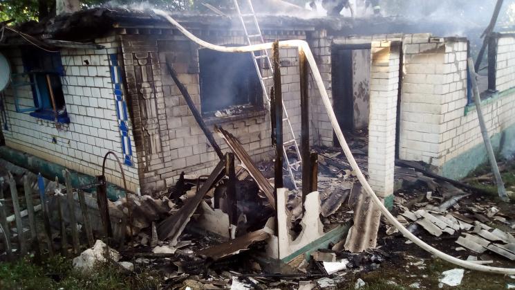 Відважна вінничанка під час пожежі намагалася самотужки винести на вулицю господаря помешкання