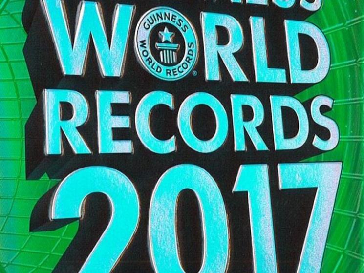 Мировой рекорд поколичеству голых купальщиков установили вФинляндии