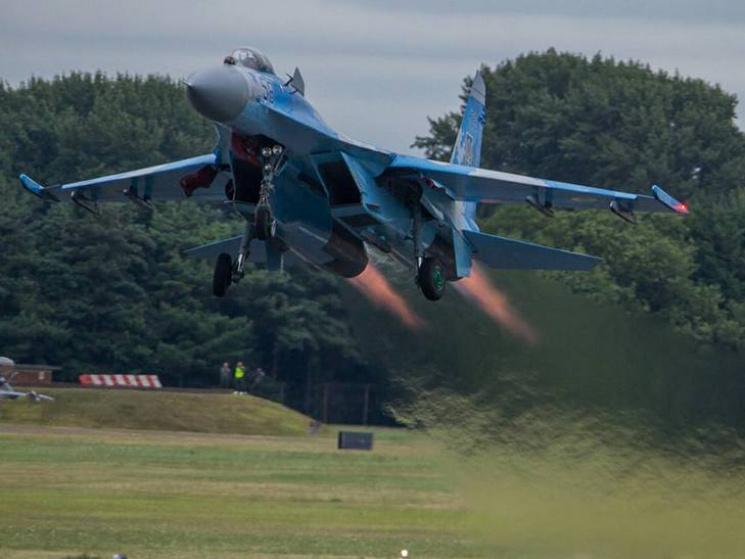Украинские летчики-истребители показали собственный класс наавиашоу в Англии