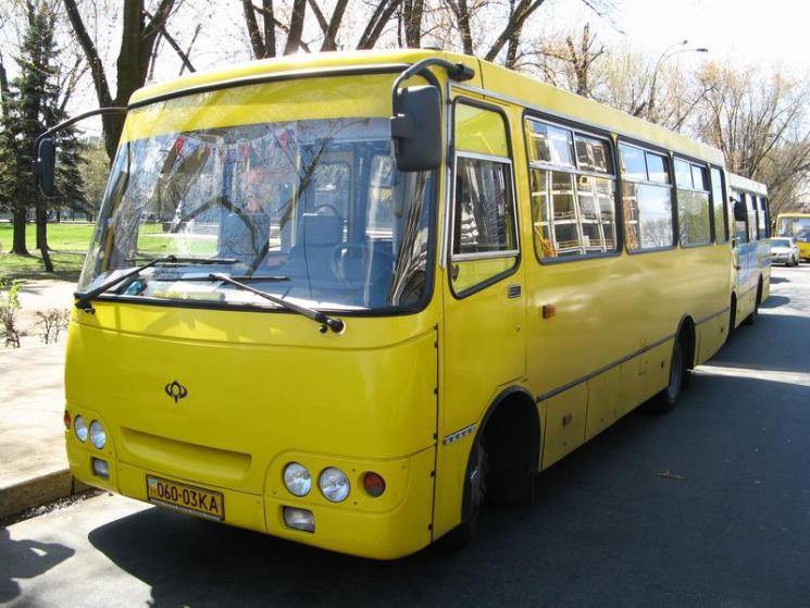 В Одессе водитель хотел выгнать девушку из маршрутки за «телячую мову»