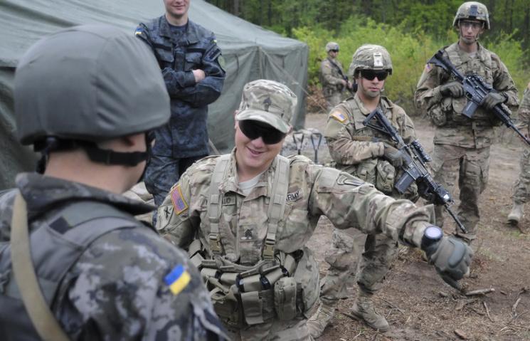 """Смерть """"радянщині"""". Що дасть Україні новий сержантський корпус"""