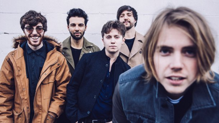 Британская рок-группа сняла вКиеве видеоклип оконце света