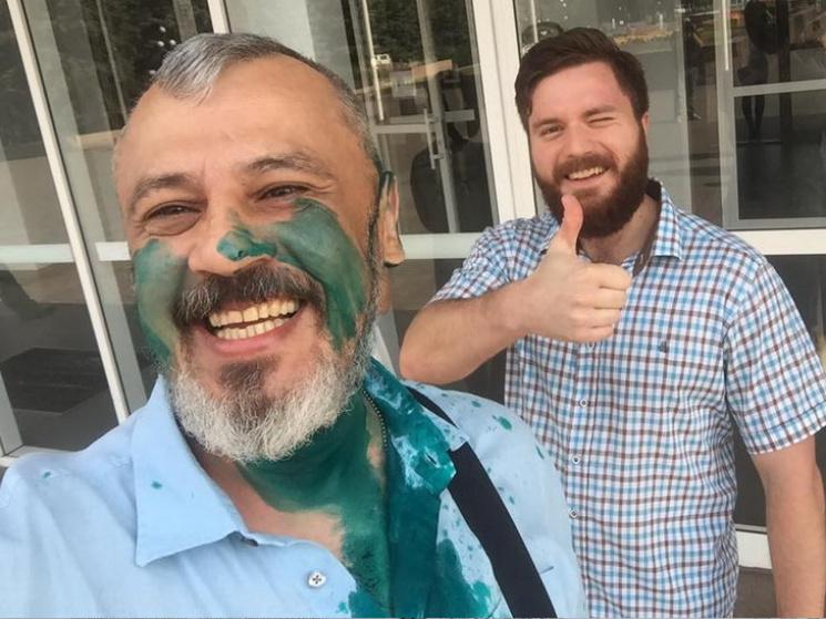 У Кривому Розі хуліган зізнався, що облив депутата зеленкою за гроші