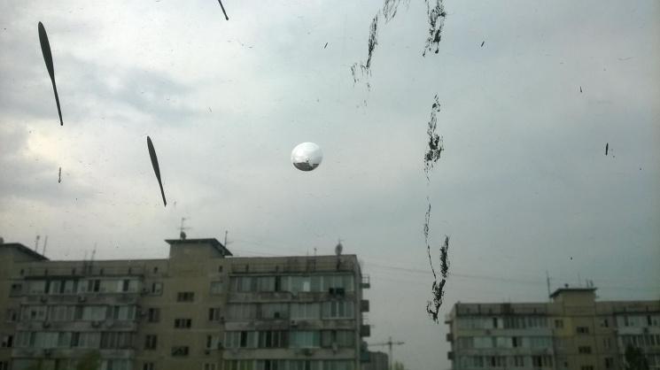 ВКиеве женщина наглазах уродных выбросилась с10 этажа