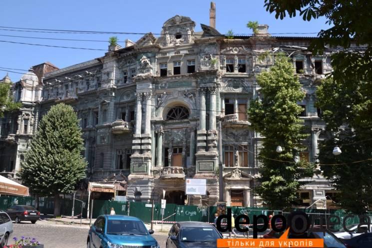 Минула краса та туманне майбутнє: Що лишилося від унікального будинку Руссова в Одесі